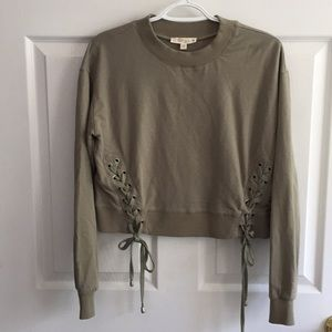 ILLA ILLA olive green long sleeve boutique top